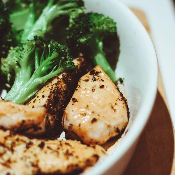 Come usare il kefir per marinare il pollo