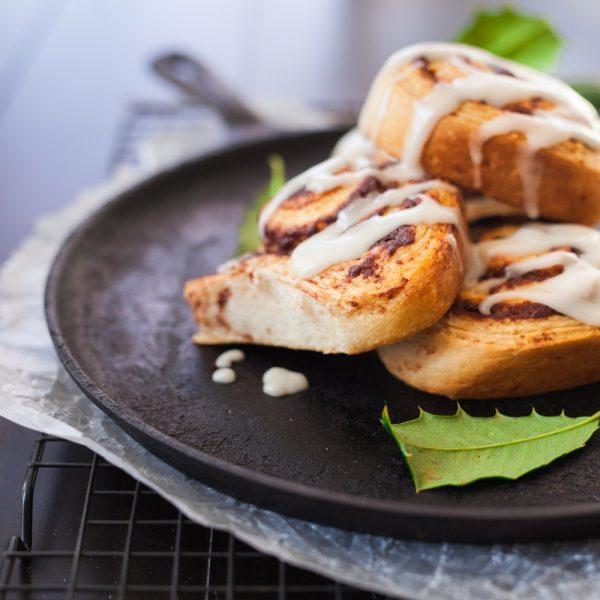 Cinnamon Roll con yogurt greco