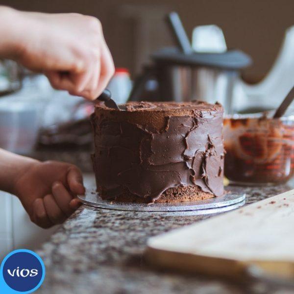 Torta yogurt greco e cioccolato